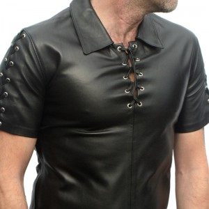 Neue Lederbekleidung